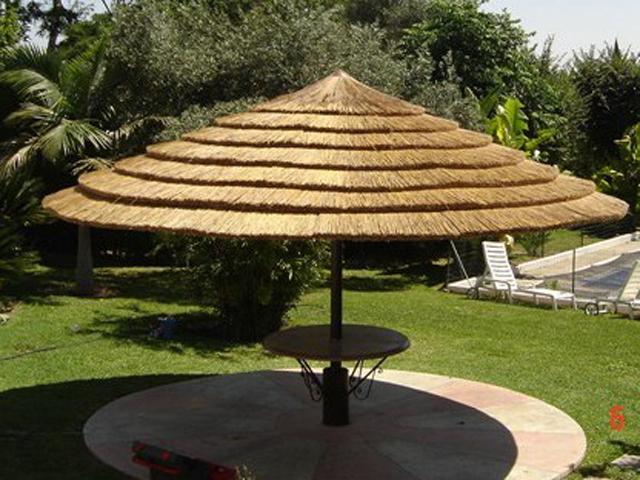 sombrilla de junco africano para terraza